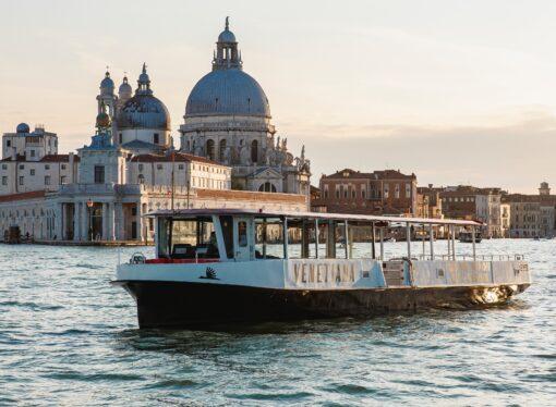 Venezia: al via gli eco battelli di Venetiana