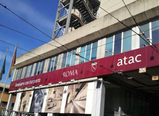 Roma: Atac, rogo nel deposito di Tor Sapienza